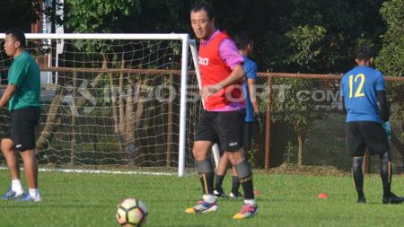 Yu Hyun-koo, pemain Sriwijaya FC saat sedang latihan. - INDOSPORT