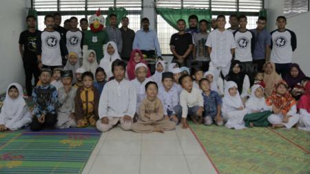 PSMS Medan kunjungi Panti Asuhan - INDOSPORT