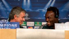 Indosport - Michael Essien dan Jose Mourinho