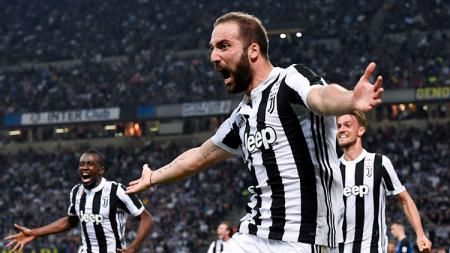 Gonzalo Higuain berhasil menyamai catatan penyerang legendaris Juventus, David Trezeguet, dalam 200 penampilan. - INDOSPORT