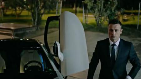 Dimitar Berbatov dalam film terbarunya, The Revolution X - INDOSPORT