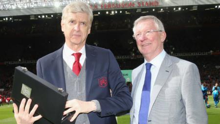 Arsene Wenger dan Sir Alex Ferguson memang dikenal sebagai manager terlama yang pernah menangani sebuah tim ternamadi Liga Inggris. - INDOSPORT
