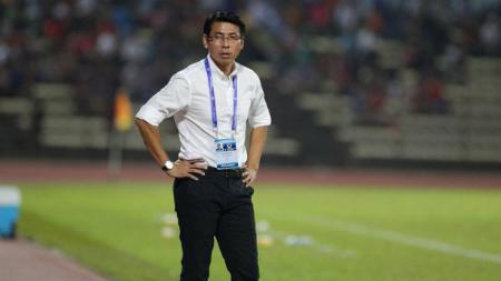Pelatih Timnas Malaysia, Tan Cheng Hoe, kesal usai menerima protes publik Negeri Jiran mengenai pemanggilan Hazwan Bakri. - INDOSPORT
