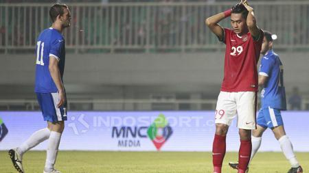 Ekpresi kekecewaan Septian David Maulana usai gagal mencetak gol lewat tendangan penalti. - INDOSPORT