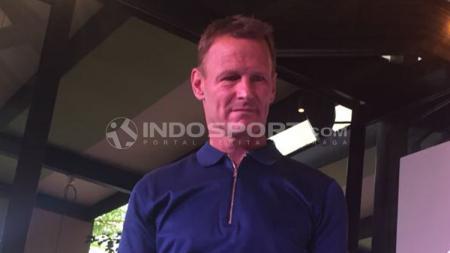 Teddy Sheringham di sebuah acara di Jakarta. - INDOSPORT