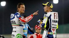 Indosport - Konflik antara Valentino Rossi dan Sete Gibernau