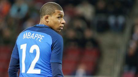 Pemain muda Paris Saint-Germain, Kylian Mbappe, dirumorkan akan ke Manchester United. - INDOSPORT