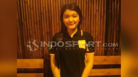 Penggemar cantik di komunitas Fan Club Valentino Rossi Indonesia, Fenny Firdayantie. - INDOSPORT