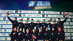 Indosport - Timnas sport climbing Indonesia berfoto bersama usai kejuaraan dunia panjat tebing di Chongqing, China