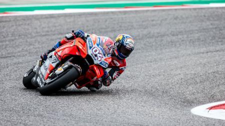 Pembalap Ducati Team, Andrea Dovizioso mengaku dirinya tak setuju dengan aturan baru yang akan laksanakan pada MotoGP 2020 nanti. - INDOSPORT