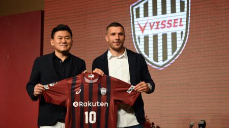 Beri Lampu Hijau, Lukas Podolski Siap Main di Liga Malaysia Musim Depan - INDOSPORT