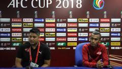Indosport - Pelatih Home United saat konferensi pers usai laga Home United vs Persija.