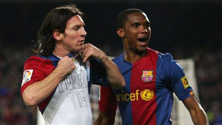 Pernah bermain bersama, Lionel Messi berikan pesan pada sang legenda Barcelona, Samuel Eto'o yang telah lebih dulu pensiun. - INDOSPORT