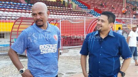 Asisten Pelatih PSM Makassar, Herrie Setiawan di latihan Persib. - INDOSPORT