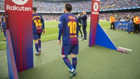 Lionel Messi mengenakan jersey bertuliskan nama ibunya. - INDOSPORT