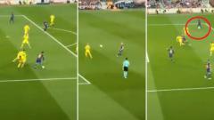 Indosport - Aksi 1-2 Iniesta dan Messi.
