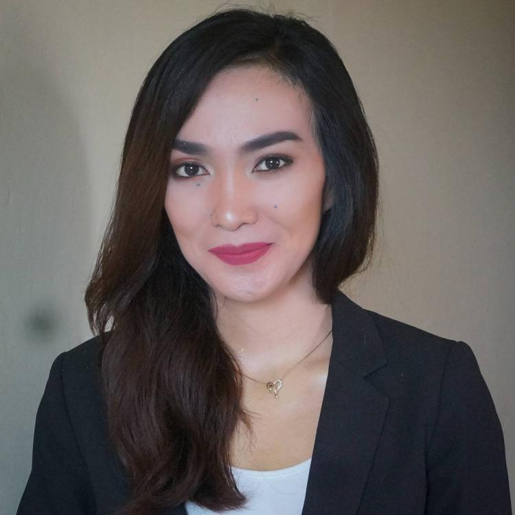 Sally Atyasasmi, manajer Persibo Bojonegoro Copyright: instagram @sallyastya