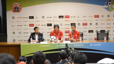 Jumpa pers Persija Jakarta jelang lawan Madura United: Pelatih Stefano Cugurra Teco dan Novri Setiawan. - INDOSPORT