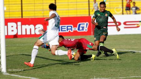 PS TIRA vs PSMS Medan. - INDOSPORT