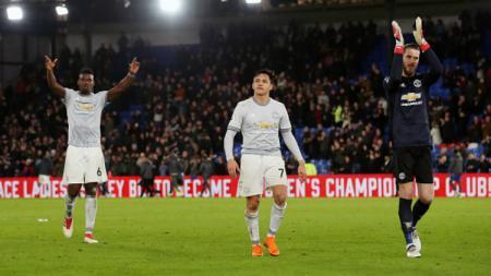 Manchester United sedang menyiapkan proyek besar dan mereka dikabarkan siap menumbalkan Paul Pogba dan David de Gea demi merealisasikan mimpinya itu. - INDOSPORT