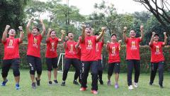 Indosport - Keseruan team building tim Piala Thomas dan Uber 2018.