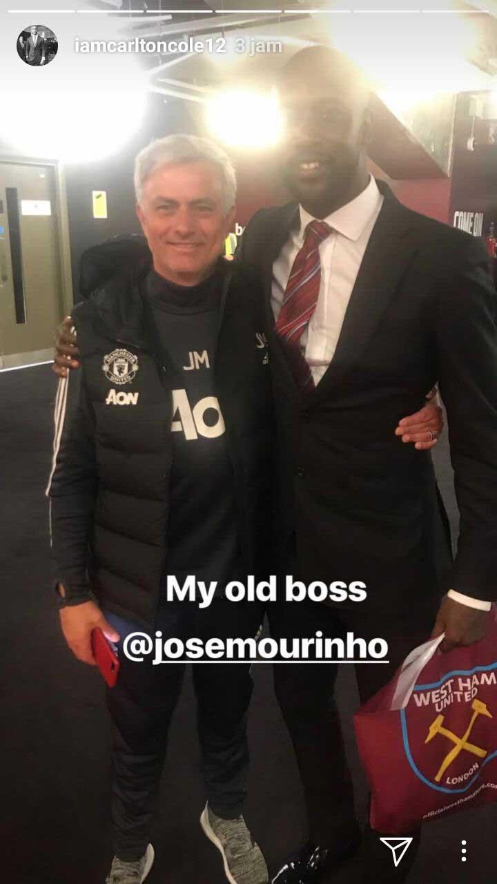 Carlton Cole dan Jose Mourinho. Copyright: Story Carlton Cole