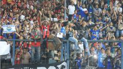 Indosport - Persipuramania dan Bobotoh.
