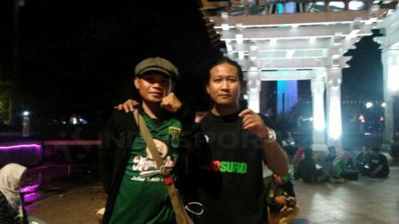 Salah satu pentolan Bonek Andie Peci turut memberikan respons jenaka usai mengatahui Persebaya Surabaya terusir dari Stadion Gelora Bung Tomo (GBT). - INDOSPORT