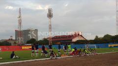 Indosport - Skuat PSM Makassar menjalani latihan.