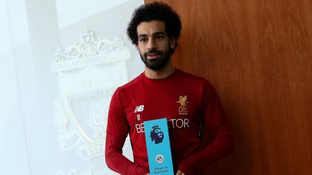 Mohamed Salah menerima penghargaan Player of The Month dari Liga Primer Inggris. - INDOSPORT