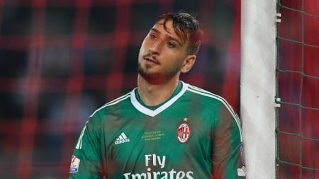 Gianluigi Donnarumma dikaitkan dengan Real Madrid setelah ia menolak tawaran kontrak baru di AC Milan. - INDOSPORT