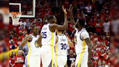 Indosport - Golden State Warriors vs Houston Rockets.