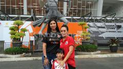Indosport - Istri Jamie dan Coach Teco