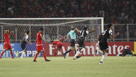 Gawang Persija berhasil dijebol oleh pemain Home United.