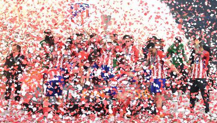 Aksi kemeriahan Atletico Madrid juara Liga Europa setelah mengalahkan Marseille dengan skor 3-0 tanpa balas.