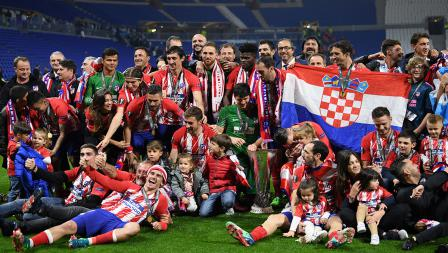 Potret gembira Atletico Madrid sebagai juara Liga Europa musim 2017-18.