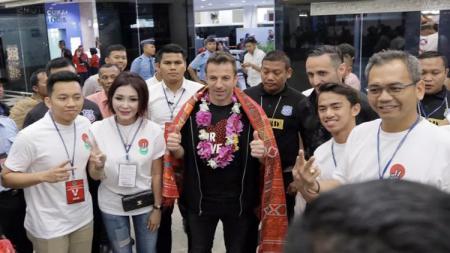 Del Piero (tengah) dan Sihar Sitorus (paling kanan). - INDOSPORT