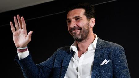 Penjaga gawang andalan klub Serie A Liga Italia, Juventus, yang bernama Gianluigi Buffon, memicu kontroversi lewat ucapannya kepada salah satu fans China. - INDOSPORT