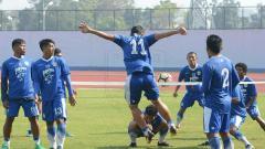 Indosport - Suasana latihan pemain Prsib Bandung.