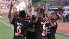 Indosport - Persipura Jayapura vs Madura United