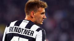Indosport - Nicklas Bendtner secara blak-blakan menceritakan kebiasaan merokok para pemain Juventus, terutama Gianluigi Buffon dan Andrea Pirlo.