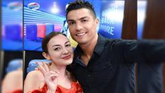 Indosport - Rianti Cartwright dan Cristiano Ronaldo