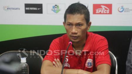 Bek klub Liga 1 2020 Persija Jakarta, Ismed Sofyan, banjir dukungan, termasuk dari Marko Simic, usai kesandung masalah dengan istri Cut Rita. - INDOSPORT