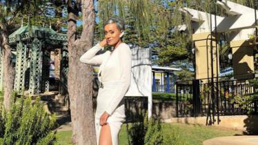 Istri Greg Nwokolo, Kimmy Jayanti, membuat netizen salah fokus saat menampilkan gaya stylish di salah satu sudut rumahnya. - INDOSPORT