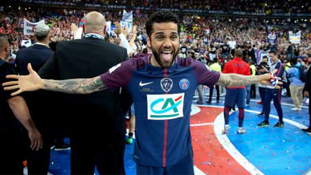 Dani Alves. - INDOSPORT