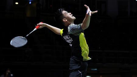 Pebulutangkis tunggal putra Indonesia, Firman Abdul Kholik sukses kembali mencetak sejarah di ranking dunia BWF usai melaju ke perempatfinal Akita Master 2019. - INDOSPORT