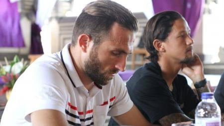 Pemain Bali United Ilija Spasojevic dan Irfan Bachdim. - INDOSPORT