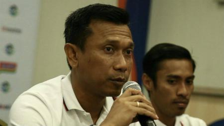 Mantan pemain Persija Jakarta, Widodo Cahyono Putro ternyata punya andil dalam perjalanan Jakmania atau komunitas penggemar klub. - INDOSPORT