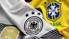 Indosport - Jersey Timnas Jerman dan Brasil.