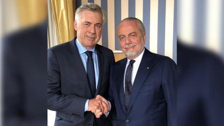 Carlo Ancelotti resmi menjadi pelatih Napoli. - INDOSPORT